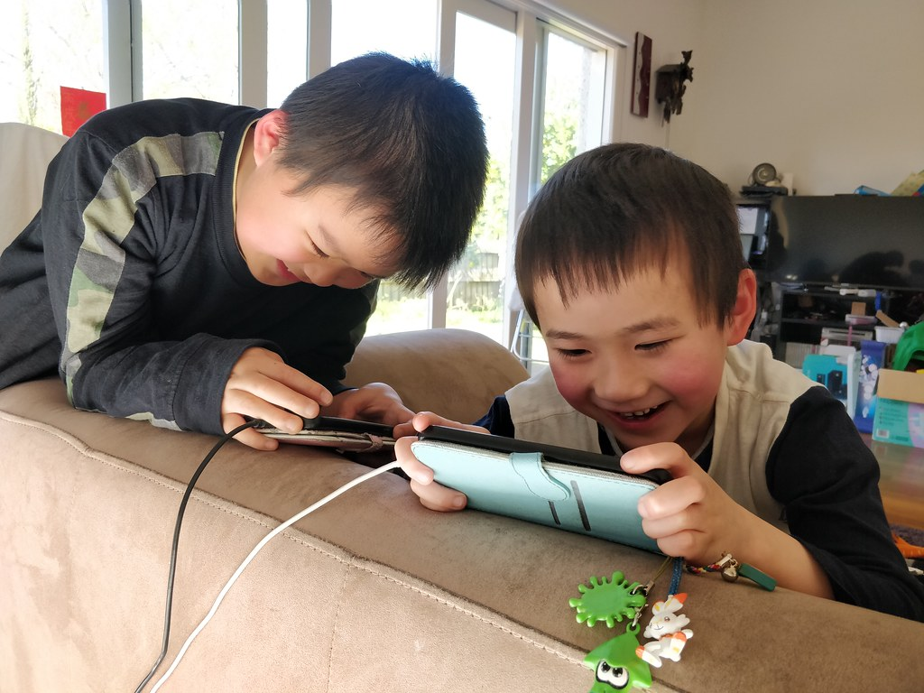 Liam and Isaac playing Roblox before lunch