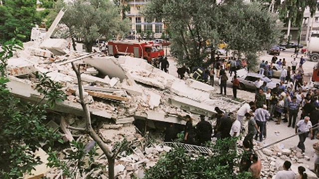 seismos-athinas-7-septemvri-1999-rikomex-3