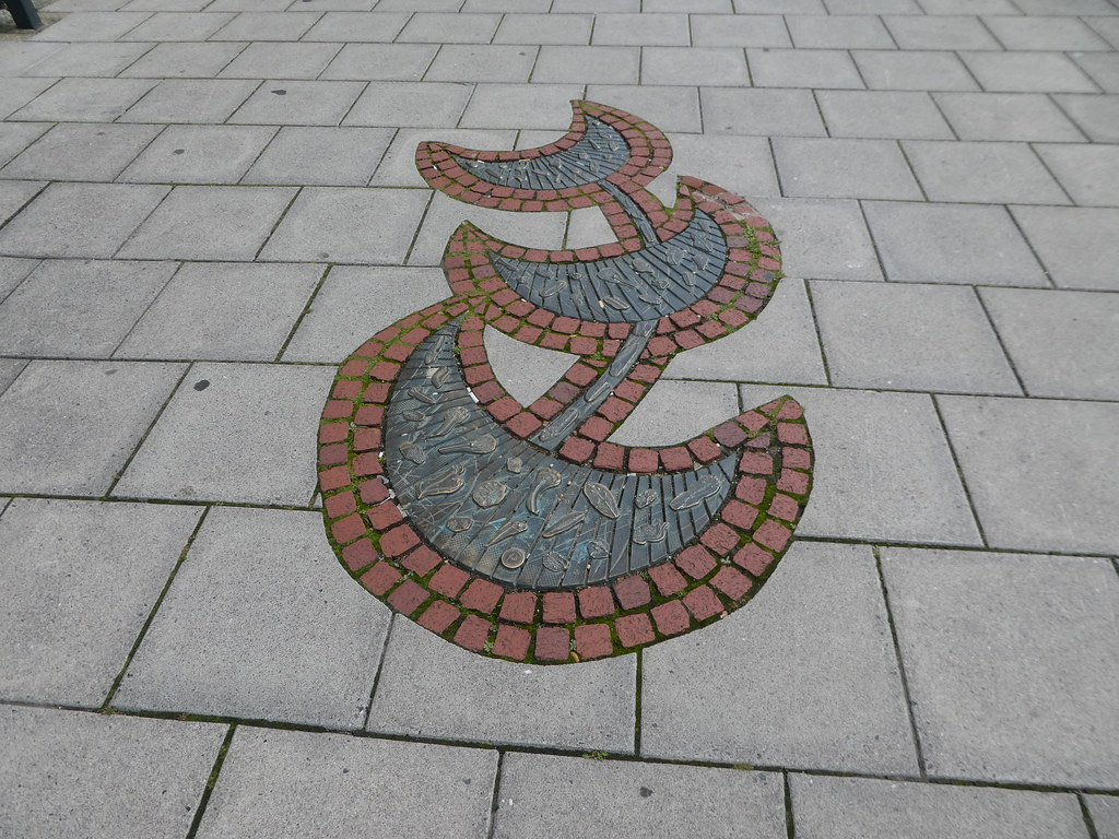 Decorative paving along Lymington High Street