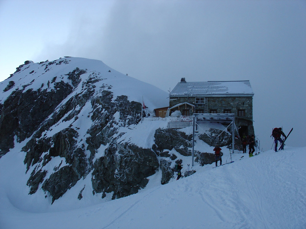 Col Valpelline, Day 6 H.R. Chamonix-Zermatt Walliser Alpen / Alpes valaisannes Switzerland photo 12