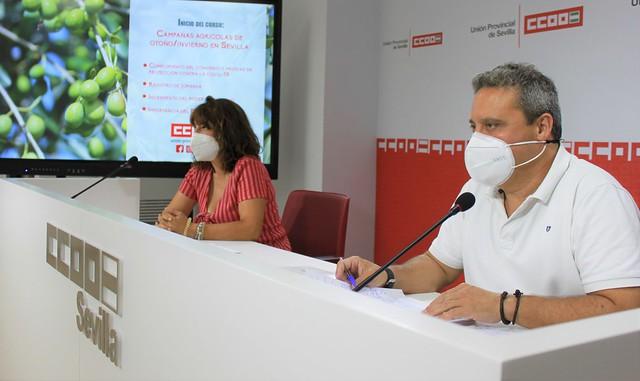 Foto CCOO. Caravaca y Vega durante la rueda de prensa