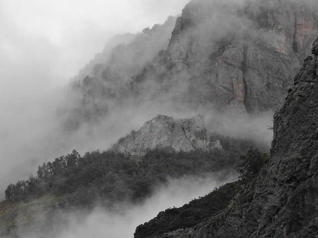 Somiedo con niebla