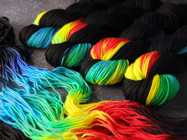 Dynamite DK hand-dyed superwash British BFL wool yarn 100g – 'ZX'