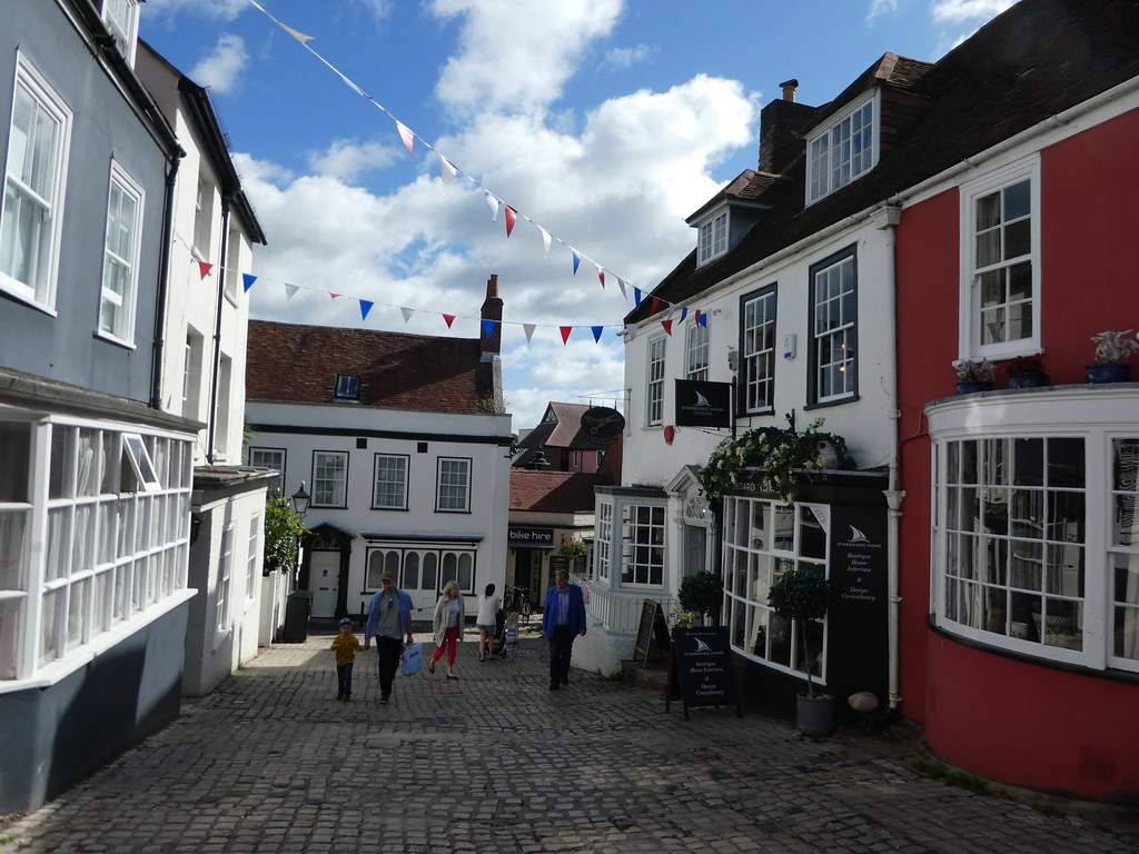 A cobbled street leading to Lymington Quay