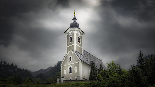 _DSC8687 A bad weather front is coming - Parish church of Hieflau - Styria / Austria