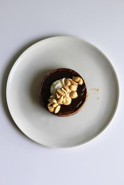 caramelized cinnamon-milk chocolate tart