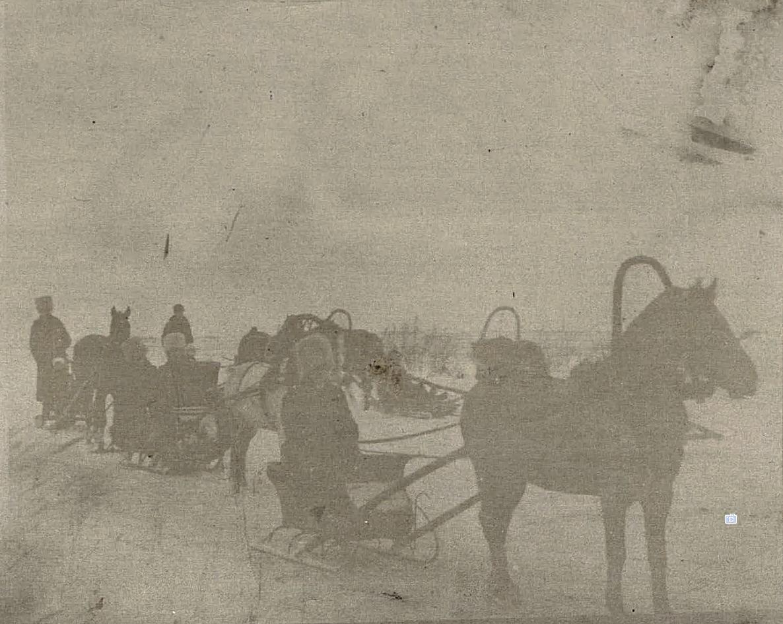 Езда на санях зимой. Новониколаевск