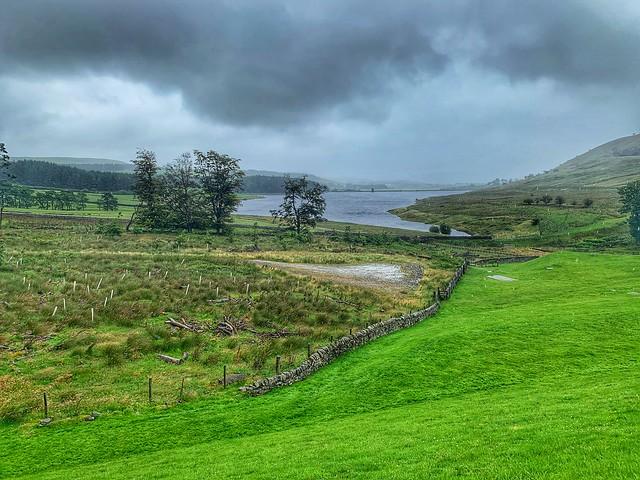 Calf hey reservoir on a rainy day      -      Haslingden district