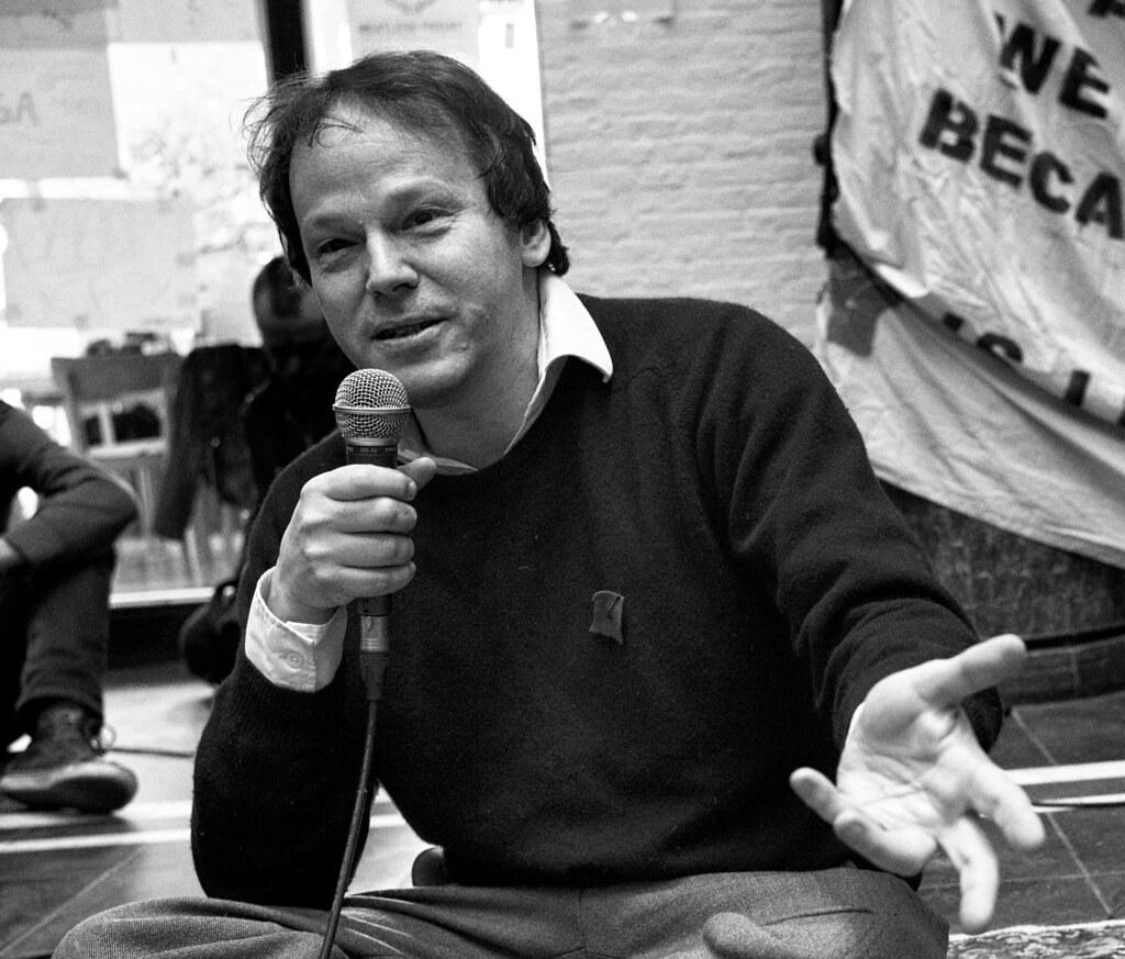 協助發想2011年華爾街佔領運動「我們就是那99%」口號的人類學家大衛·格雷伯逝世。(圖片來源:Wikimedia)