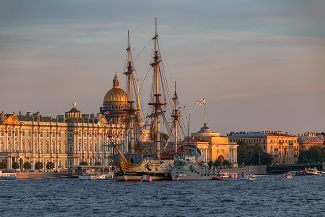 "Remembering the Summer and ""Poltava""— Вспоминая лето и «Полтаву»"
