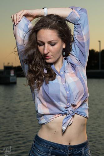 portrait woman shooting sunset model