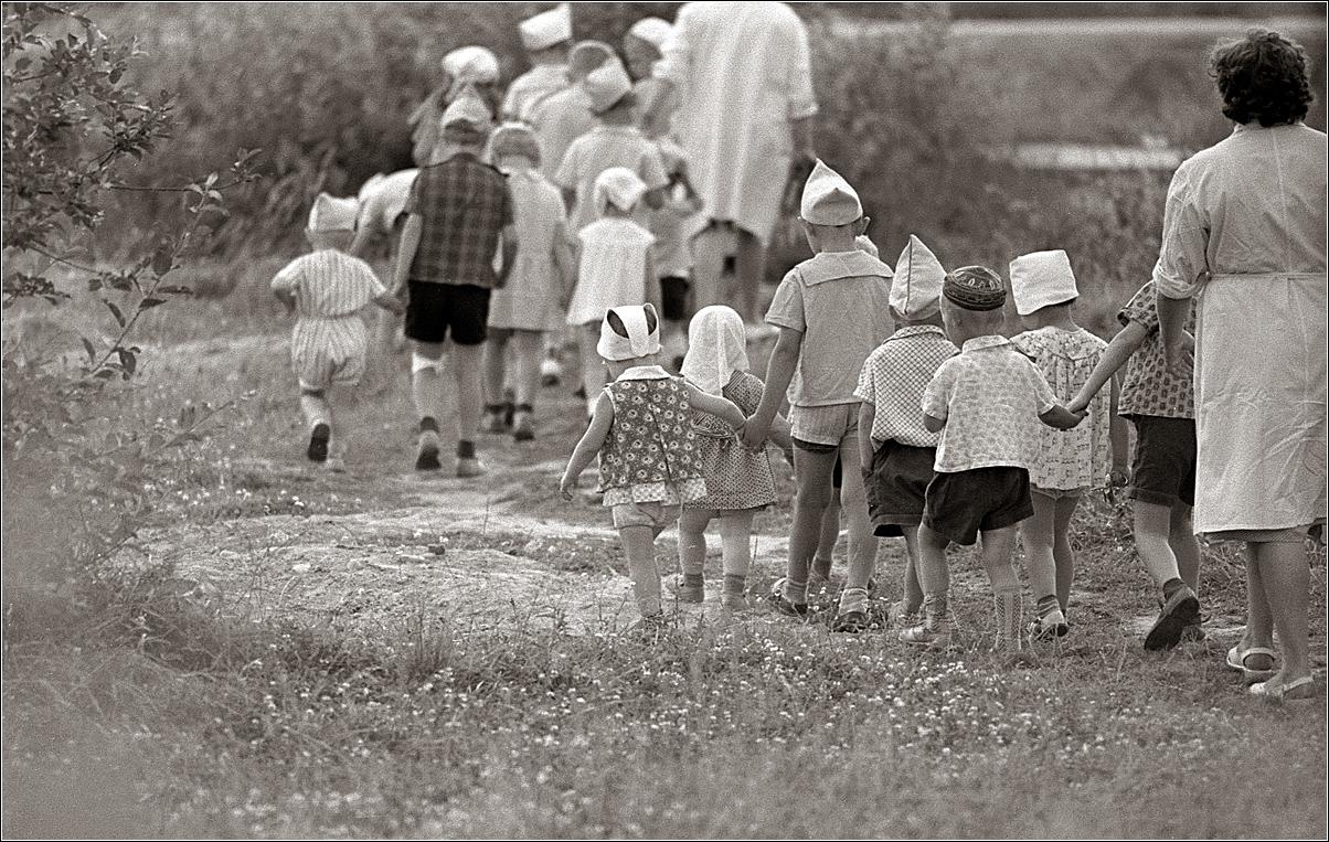 93. 1967. Измайлово. Детский сад на прогулке