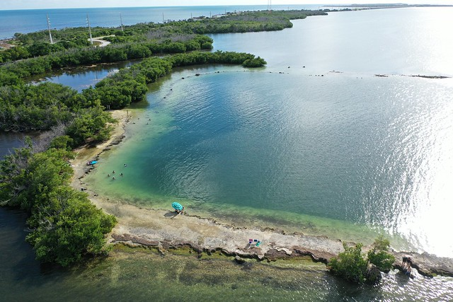 Horseshoe Cove or Horseshoe Beach, the Florida Keys
