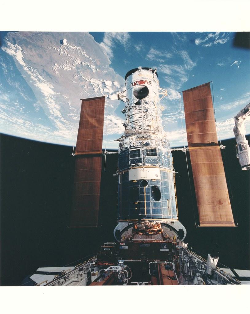 STS61_v_c_o_KPP (STS061-79-087)