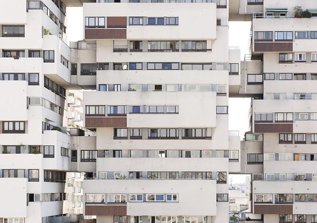 Ensemble de logements. R.Anger, M.Heymann et P.Puccinelli architectes, 1969. Paris 12.
