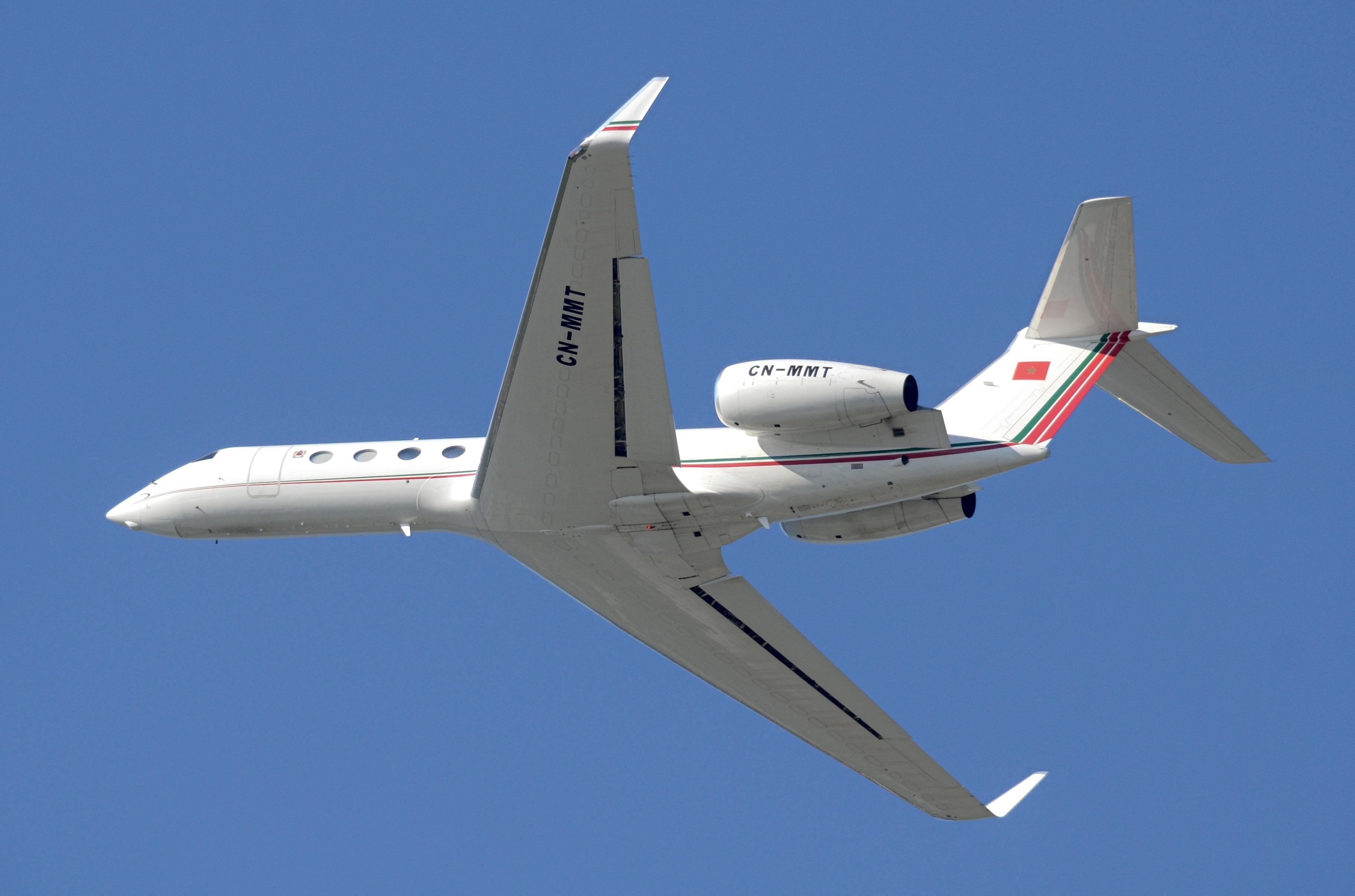 FRA: Avions VIP, Liaison & ECM - Page 25 50320907981_e635812d2d_o_d