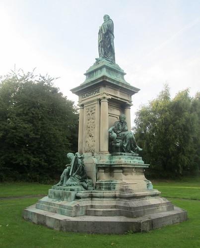 Gladstone's Library, Gladstone Statue