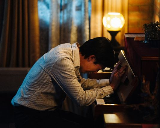"""The movie poster & the stills of """"《親愛的房客》(Dear Tenant)"""" will be launching on Oct 23, 2020 in Taiwan."""