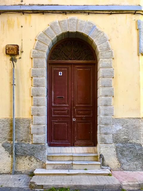 A porta da tua casa