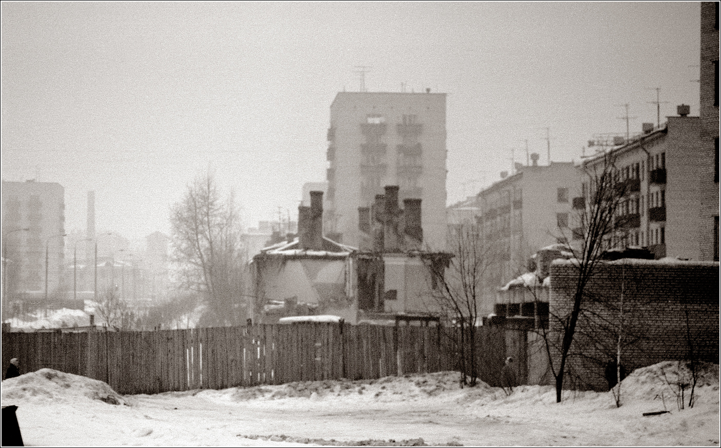 119. 1968. Измайлово, где–то в районе 11 Парковой. 04–02