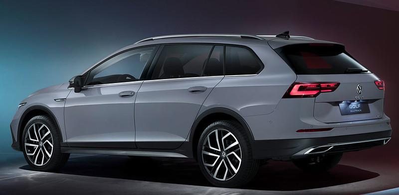VW-Golf-Estate-And-Golf-Alltrack-17