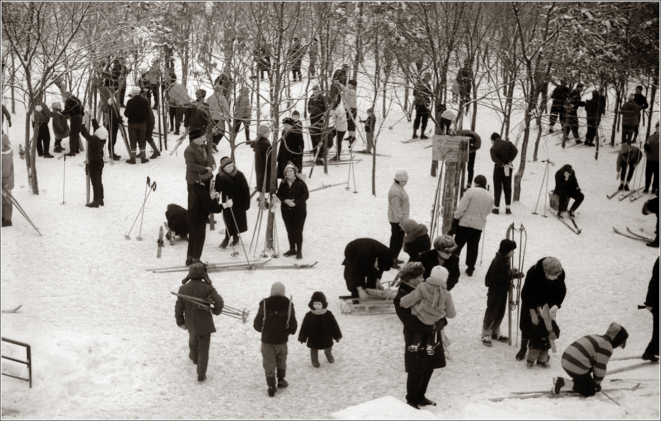 118. 1968. Измайловский парк (метро Измайловская). 17 марта