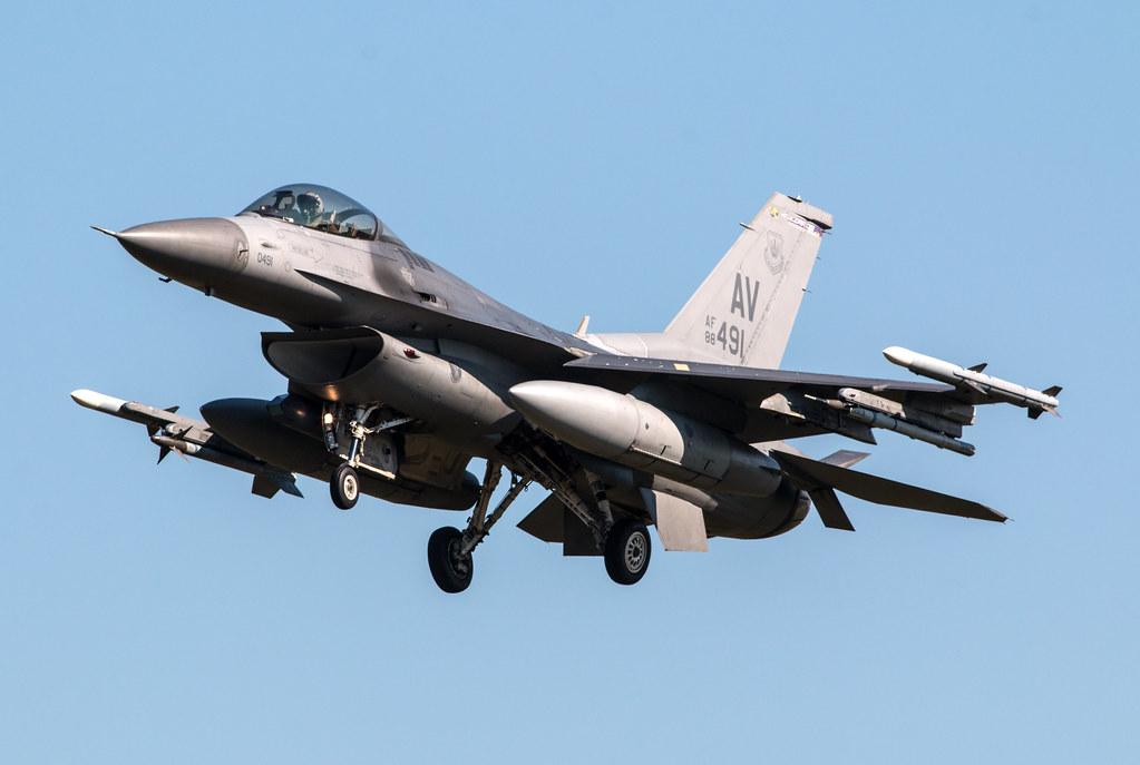 General Dynamics F-16C Fighting Falcon - United States Air Force - 88-0491 / AV