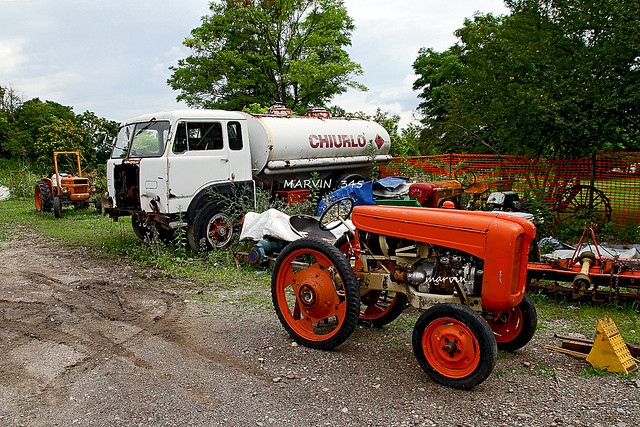 FIAT 682 N3 with old tractor