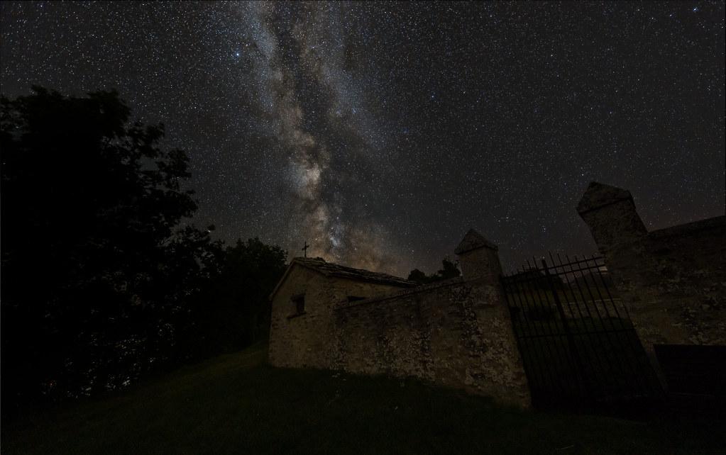 Milky Way over Monteboaggine graveyard