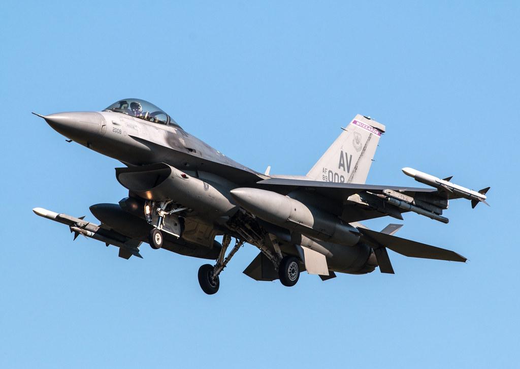 General Dynamics F-16C Fighting Falcon - United States Air Force - 89-2008 / AV
