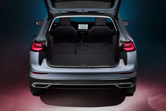 VW-Golf-Estate-And-Golf-Alltrack-6