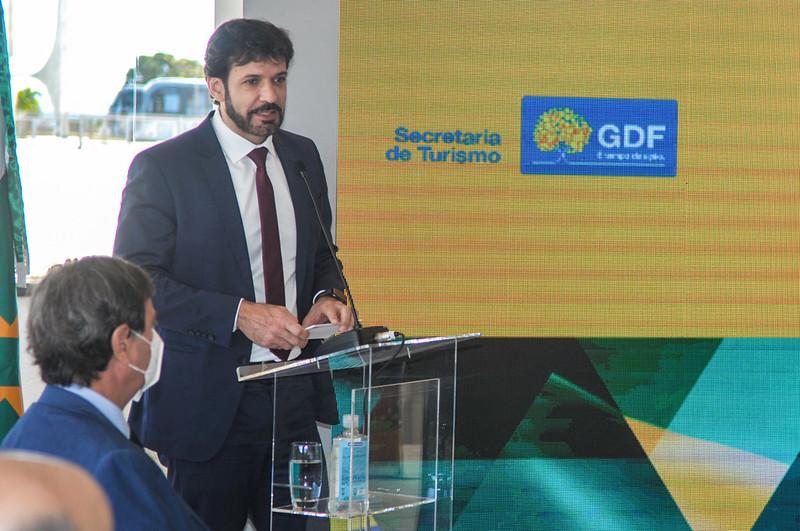 Assinatura do Acordo de Cooperação do Projeto Turismo Cívico Pedagógico