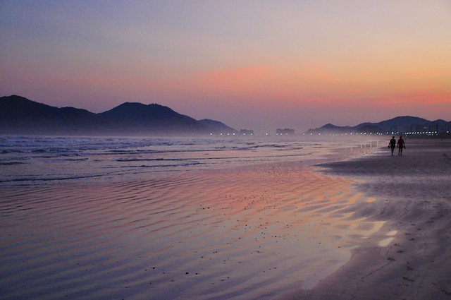 Tão perto e tão longe... um dia na praia! Sdds