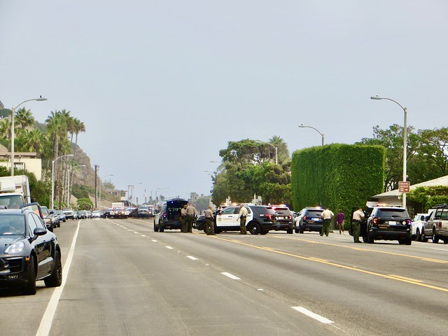 pursuit on pch stopped near us