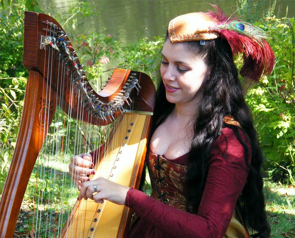 Pretty Harp Player