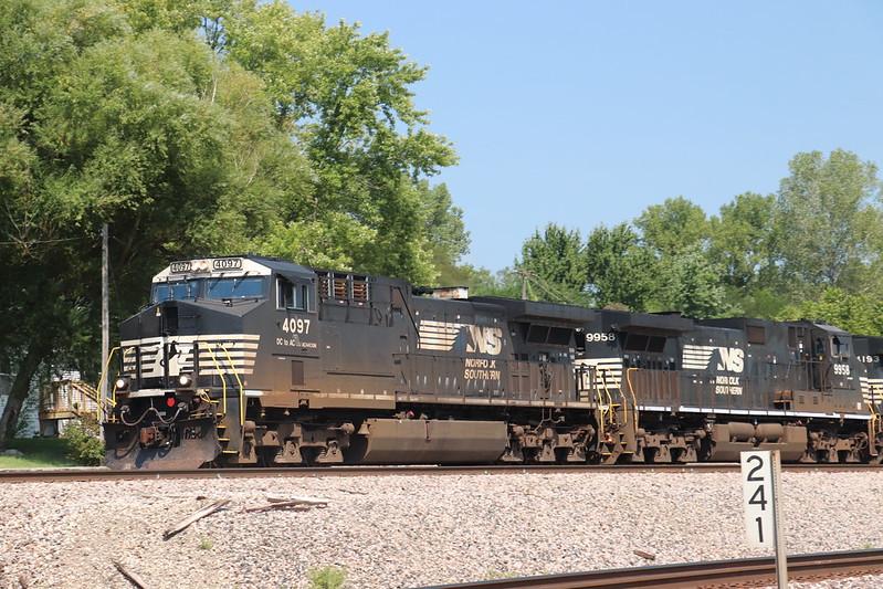 Labor Day weekend railfanning