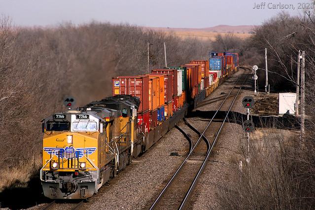 SSW-Era Signals on the GSR