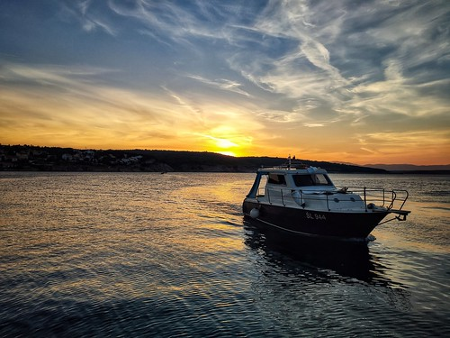 boat sun sunset dusk sea seaspace seaside adriatic hrvatska croatia europe phone smartphone xiaomi