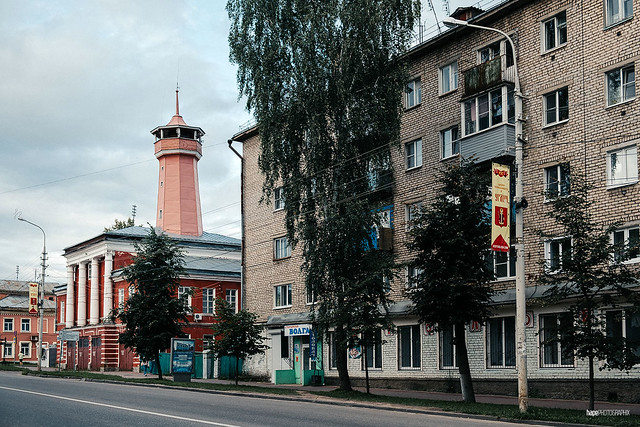 Yaroslavskaya Ulitsa with Fire Station