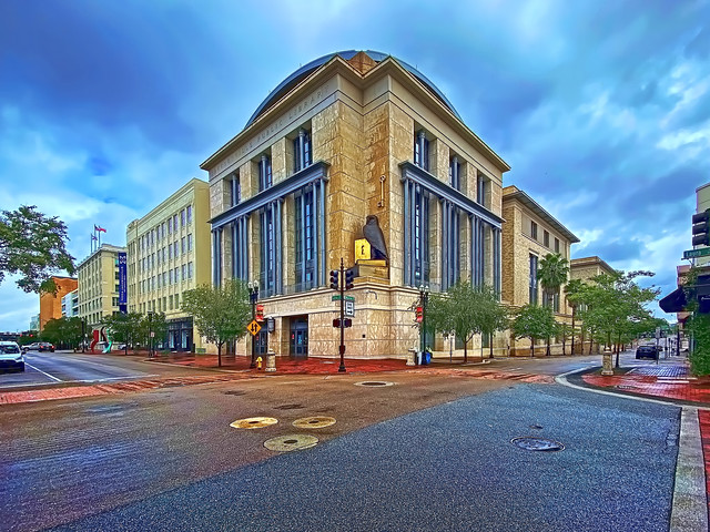 Jacksonville Public Library, Main Branch Downtown, 303 North Laura Street, Jacksonville, Florida, USA / Opened: November 2005 / Designed by: Robert A.M. Stern Architects (RAMSA) / Floors: 4 / Building Size: 300,000 square feet