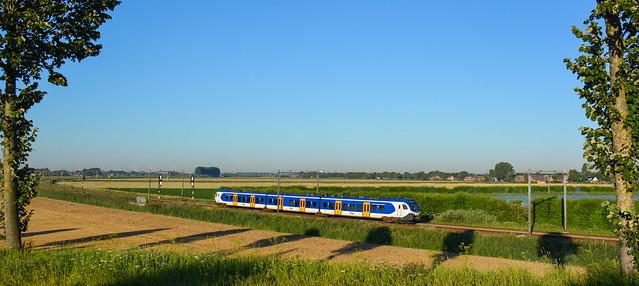 NS FLIRT treinstel