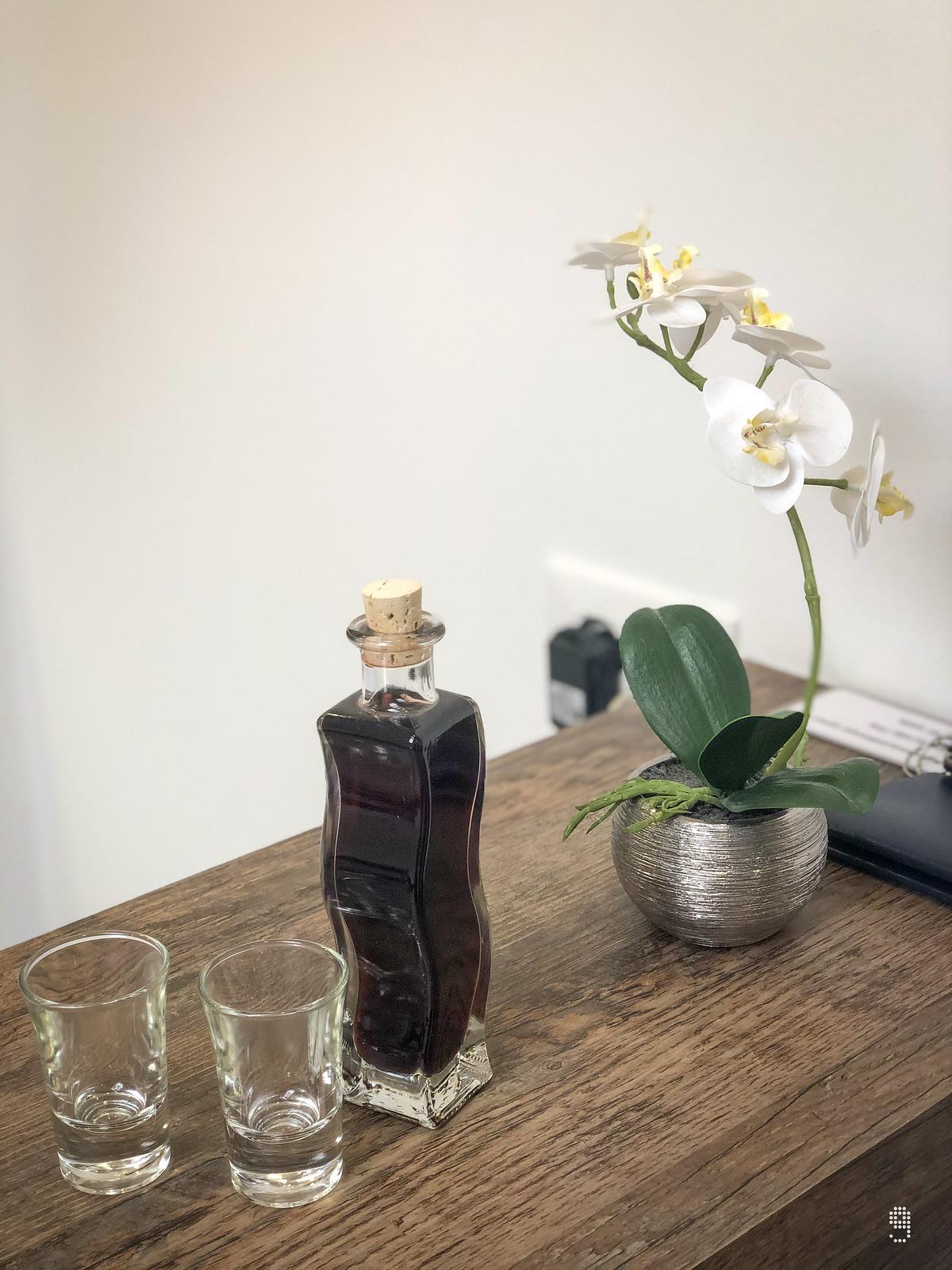 屋主為客人準備的櫻桃甜酒