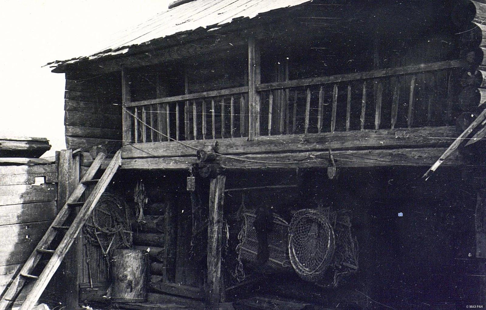 Двухэтажный амбар