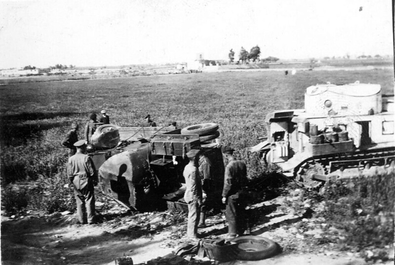 Medium-tank-MkII-asbestos-egypt-1930s-ljyp-5