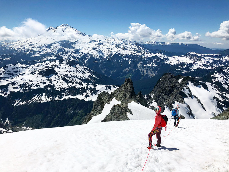 Kaytlyn Gerbin MtShuksan_FisherChimneysRoute_all-lady-rope-team_PCAlexBorsuk