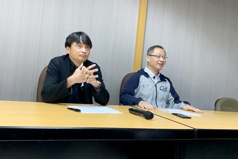 馮勝賢(左)與吳志揚(右)(記者倪芝蓉攝)