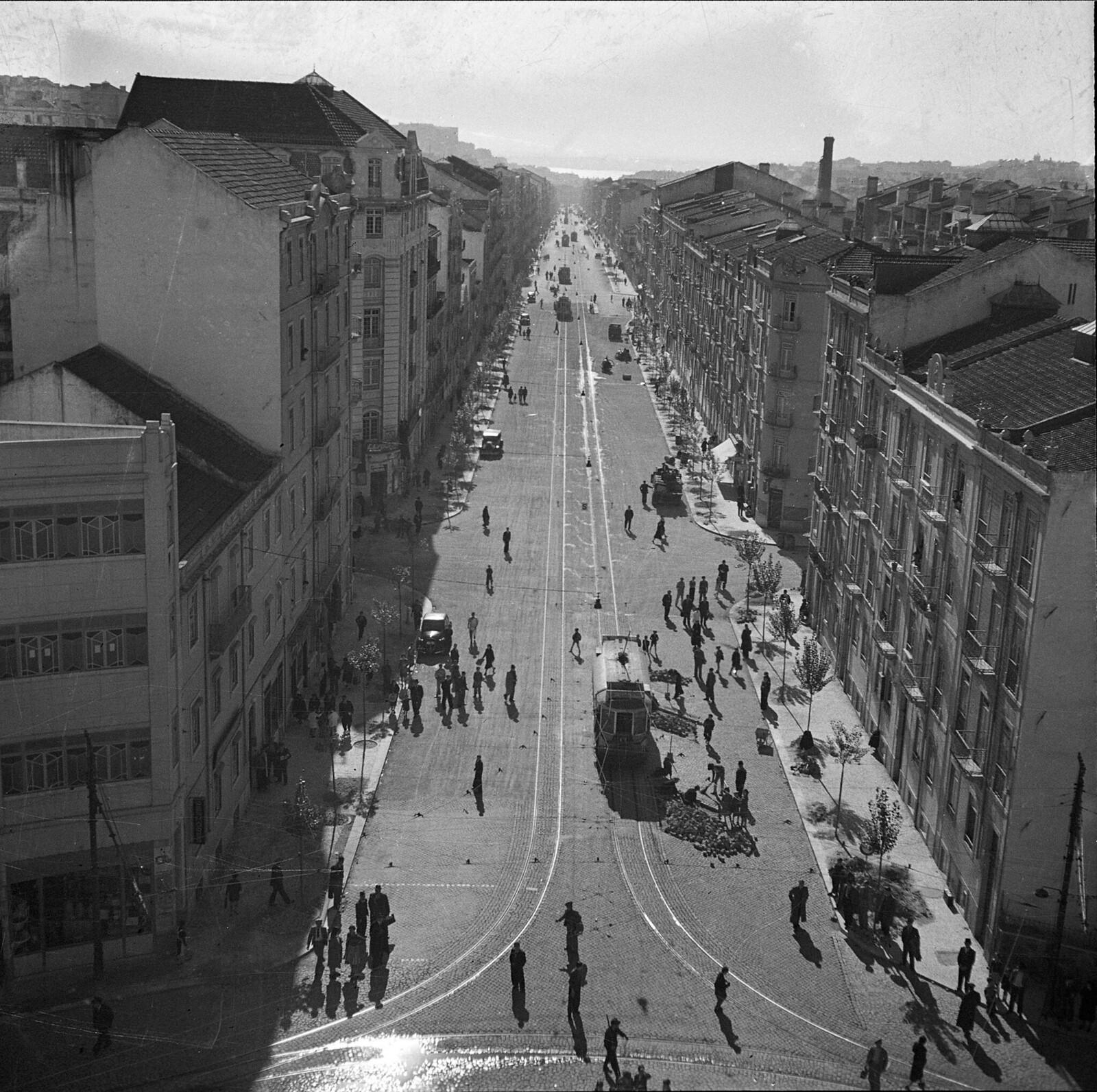 Av. Almirante Reis, Lisboa (M. Novais, 1939)