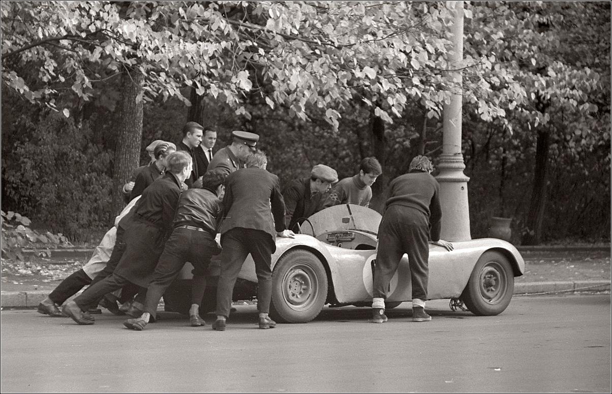 143. 1964. Парк Сокольники, показательные гонки