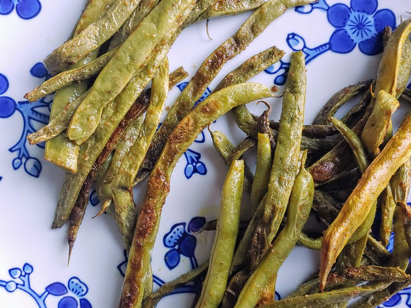 Roasted Curry Green Beans