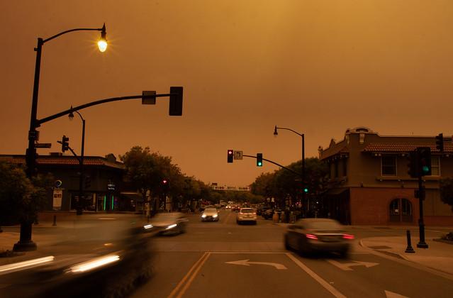 Orange sky due to smoke and ash. Taken around 1pm. © Los Altos Town Crier / Andrew Yee